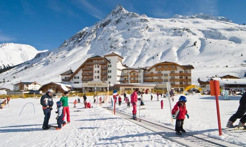 Rund um den Wirlerhof kommen eurer Kleinen in Sachen Skifahren voll auf ihre Kosten.