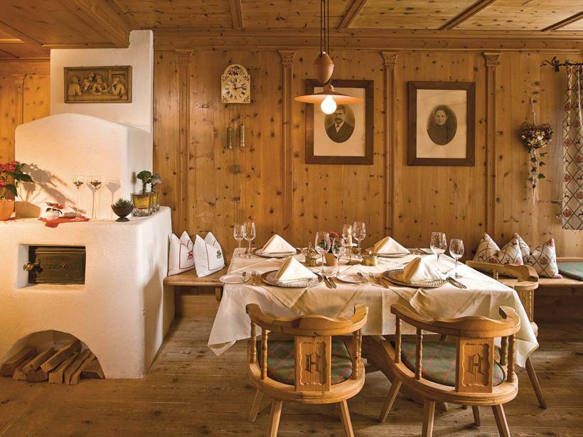 Die traditionelle Stube im Wirlerhof: Hier schmeckt das Essen gleich noch einmal so gut.